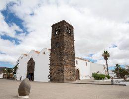 La Oliva - kościół Matki Bożej Gromnicznej