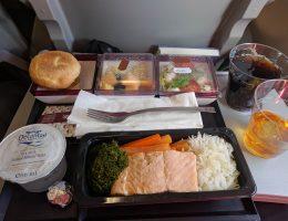 """Qatar airways - """"posiłek o mało wyrazistym smaku"""" - dla mnie bomba :D"""