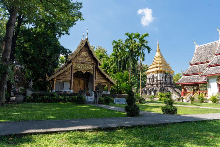 Przedstawienie świątyni Wat Chiang Man w Chiang Mai