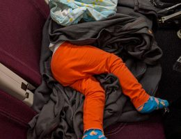 Małgosia śpi ze śpiworkiem zakokoniona w kocyki