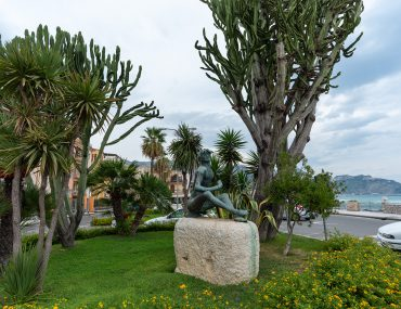 Giardini-Naxos - pomnik