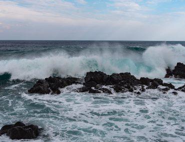 Giardini-Naxos - wzburzone morze