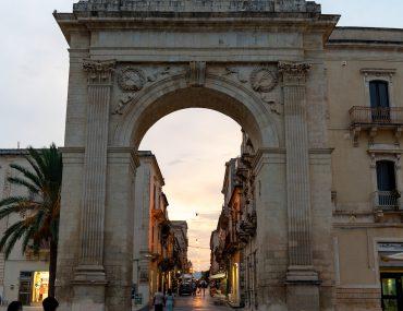 Noto - Porta Reale o Ferdinandea