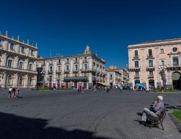 Katania - Piazza università