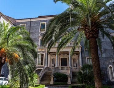 Katania - Piazza università - Palazzo San Giuliano