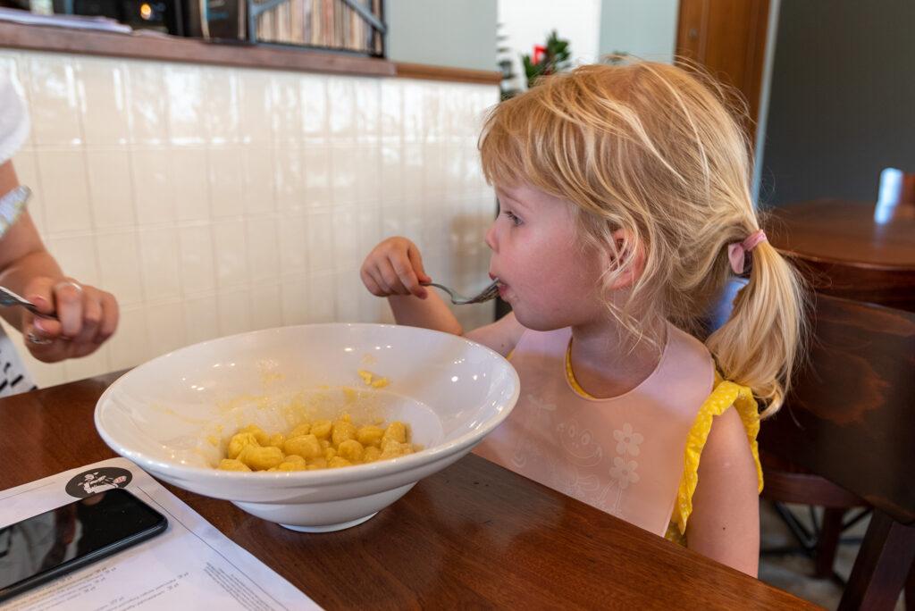 VaffaNapoli - doskonałe gnocchi z masłem i parmezanem (porcja dziecięca)
