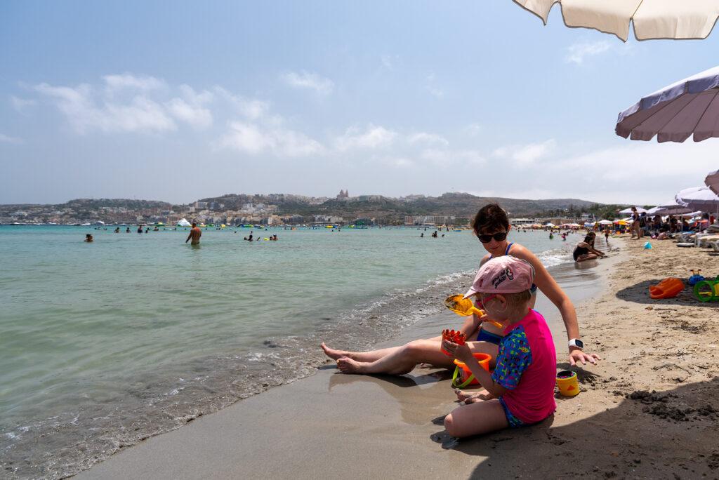 Plaża Mellieha w zatoce Għadira