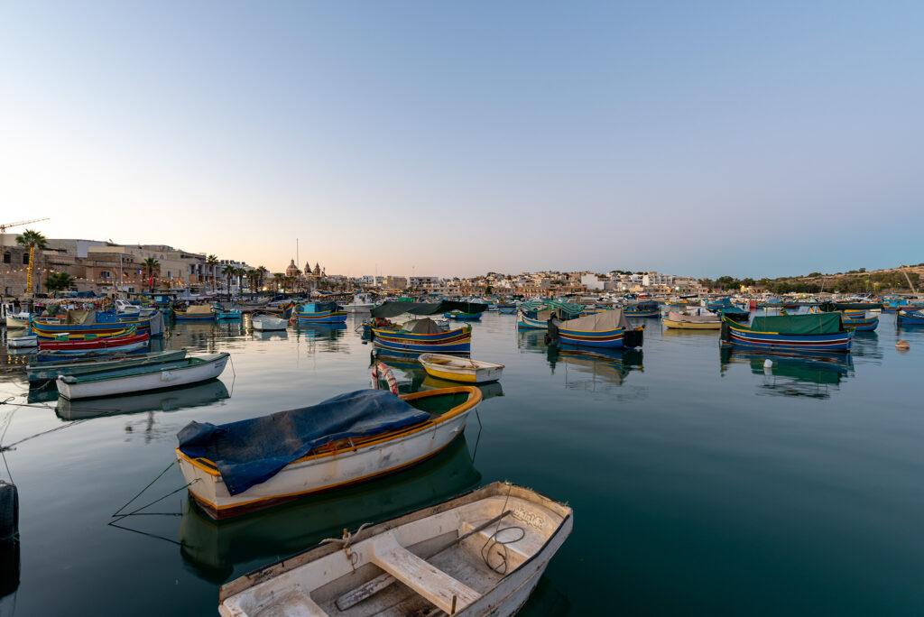 Marsaxlokk - łodzie luzzu
