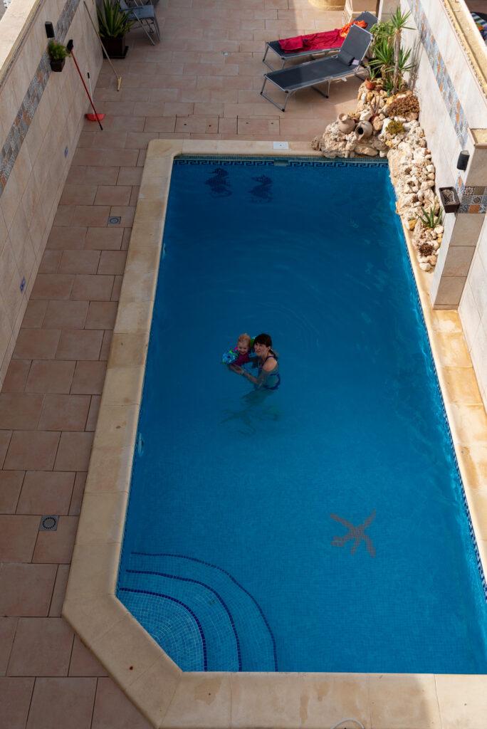 Gozo - Narcisa Farmhouse B&B - jest basen jest najlepiej