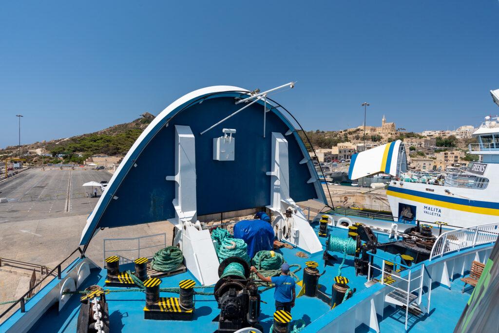 Na promie Gozo - Malta: my też już prawie gotowi do zejścia na ląd