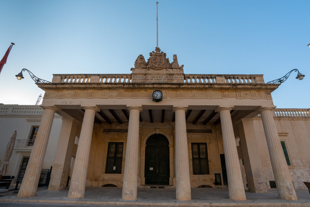 Valletta - St George's Square - budynek Main Guard