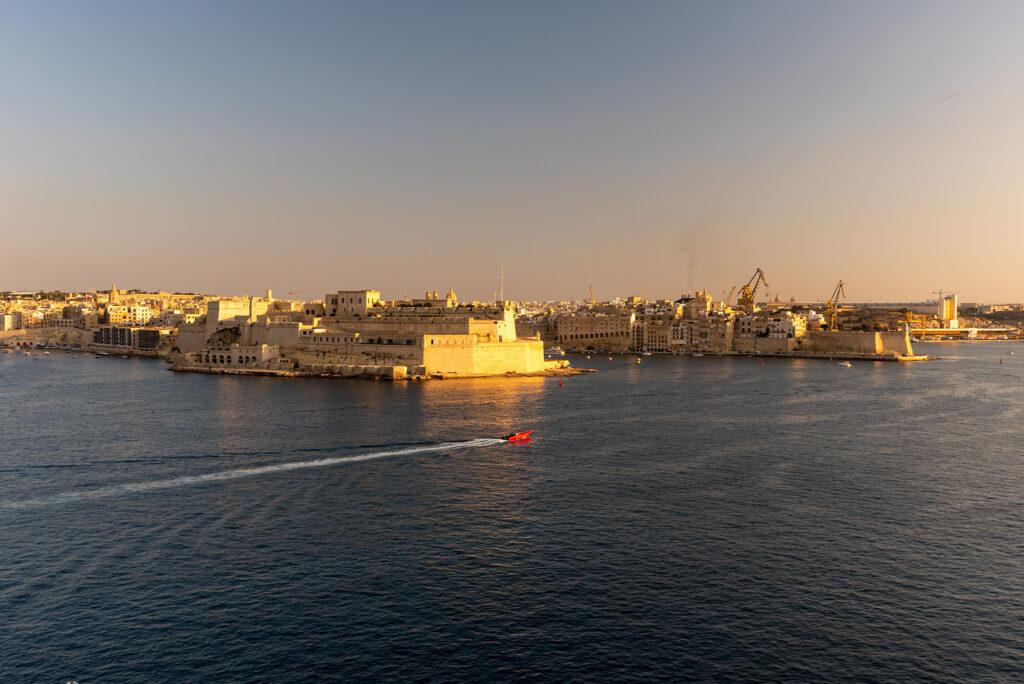Valletta - Dolne ogrody Barrakka - widok na Three Cities