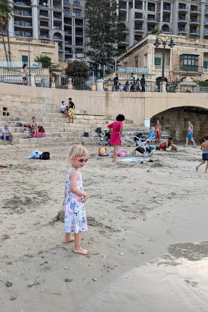 Silema - plaża miejsca w zatoce Balluta