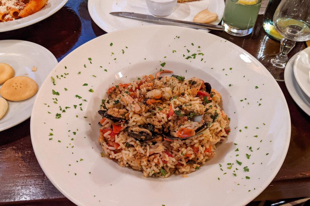 Restauracja Ta' Kris - ryż z owocami morza