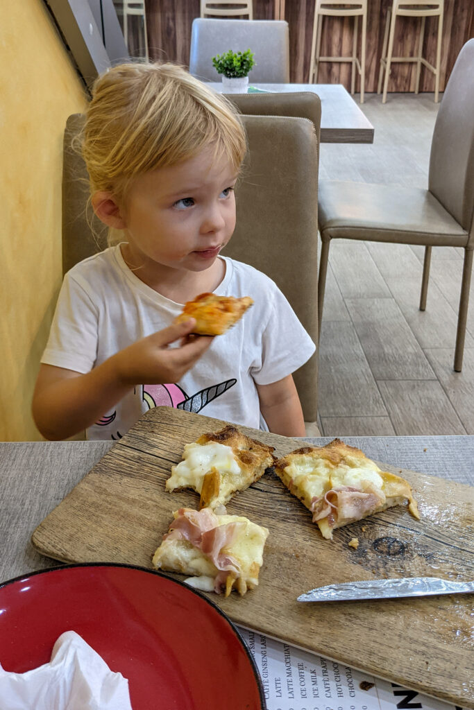 Malta - Sliema - Pizzeria Piazza Roma